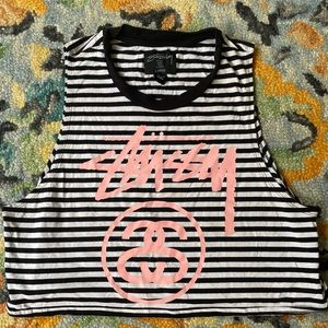 Stussy L crop top. Perfect for summer and spring!
